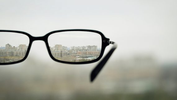 Why Does Our Eyesight Deteriorate?